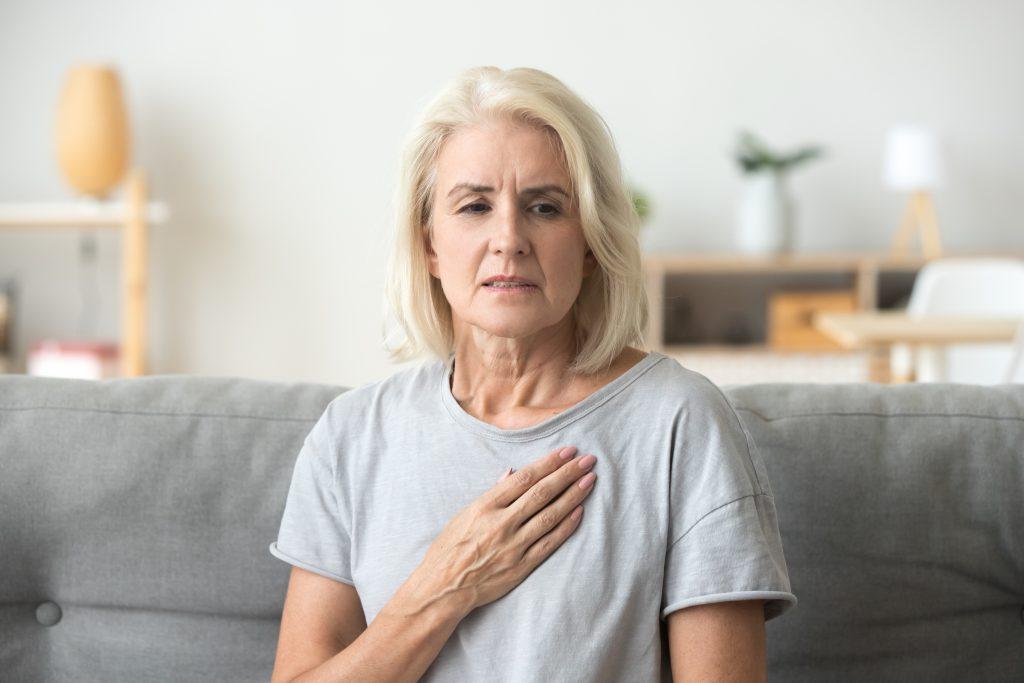 femme attaque cardiaque